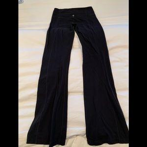 Lululemon flare bootleg yoga pants Size 8 black